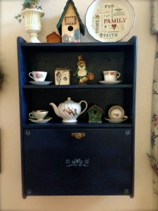 Home Deco - Tea Hutch 1